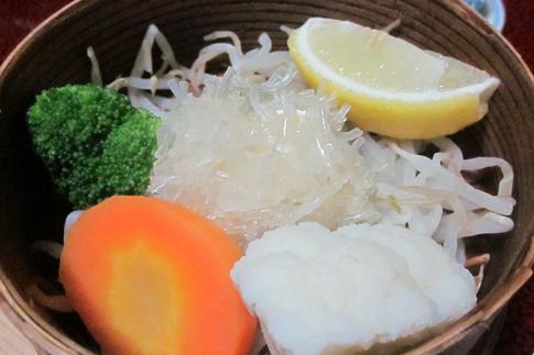 田乃倉朝食【帆立しゅうまいと温野菜】
